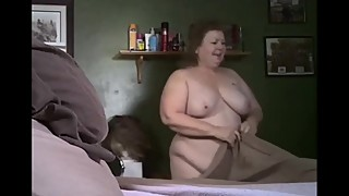 Wisconsin Wife nude helps makes the bed 3-31-19