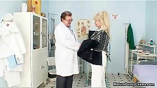 Dirty old blonde mature slut gets