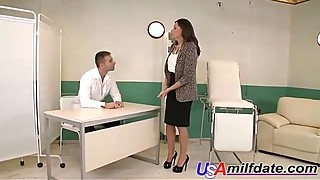 American Desperate Housewife Fucked by Doctor