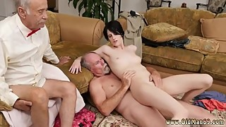 Makayla's piss rim old xxx extreme fisting husband young wife