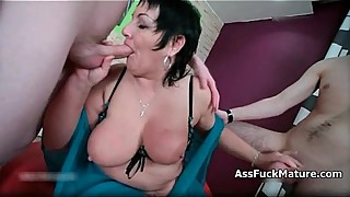 Big tits mature housewife loves sucking