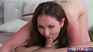 Milf Takes Home Boy Toy from Gym(Yasmin Scott) 02 mov-14