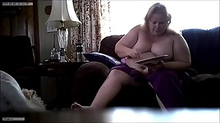 Wisconsin Wife nude eating breakfast 2-4-19