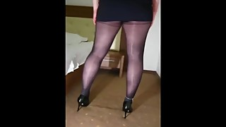 My hotwife, Lauren, a 42 years old MILF, in shiny pantyhose, anklet and hee