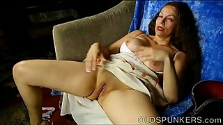 Super sexy old spunker fingers her asshole while fucking her juicy pussy