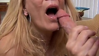 Super sexy slim older spunker loves to suck and fuck
