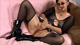 MILF Wife Lucretia Pink Masturbation Orgasms Webcam Smoking
