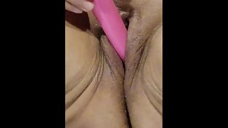 BBW wife masturbates and squirts