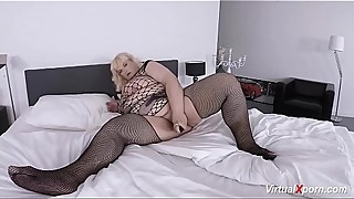 sexy bbw mature masturbating on cam