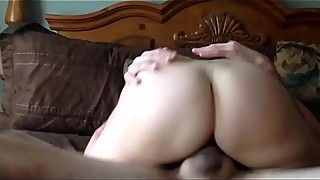 Beautiful Mom Pussy Squirting Wife Creampie